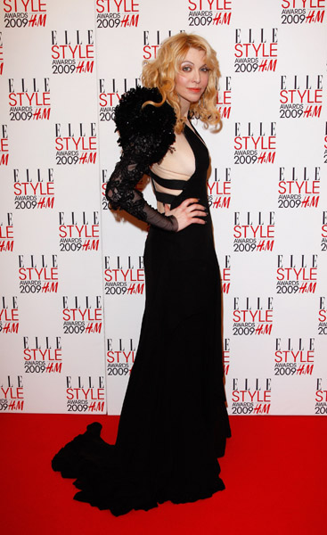 courtney-love-attends-the-elle-style-awards-2009
