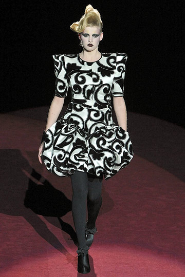 marc jacobs fall 2009 dress word by Lady GaGa