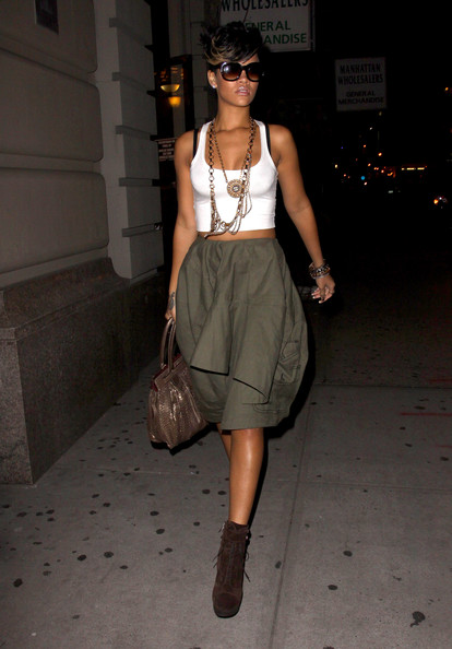 Rihanna Street Style Khaki Skirt And Brown Boots